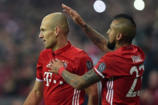 Vidal e Robben - Bayern de Munique x Arsenal