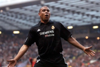Ronaldo - Manchester United 4x3 Real Madrid 2002/2003