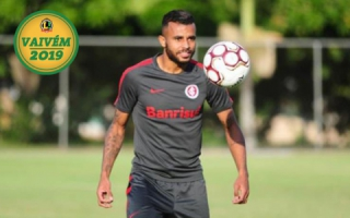 Alex Santana (Inter) com selo do vaivém
