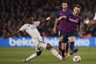 Vinicius Junior e Rakitic - Barcelona x Real Madrid