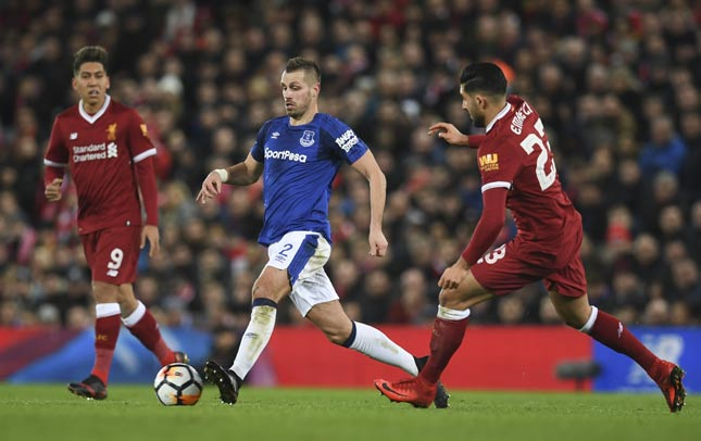Schneiderlin e Emre Can - Liverpool x Everton